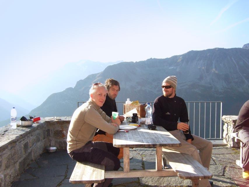 Overnachten en lunchen in de Salbithutte na het klimmen